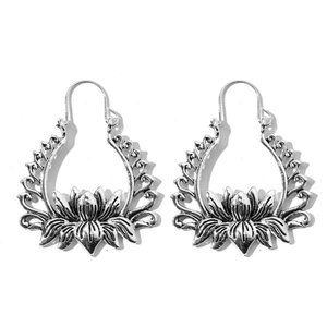 3/$20 New Silver Flower Vintage Style Earrings